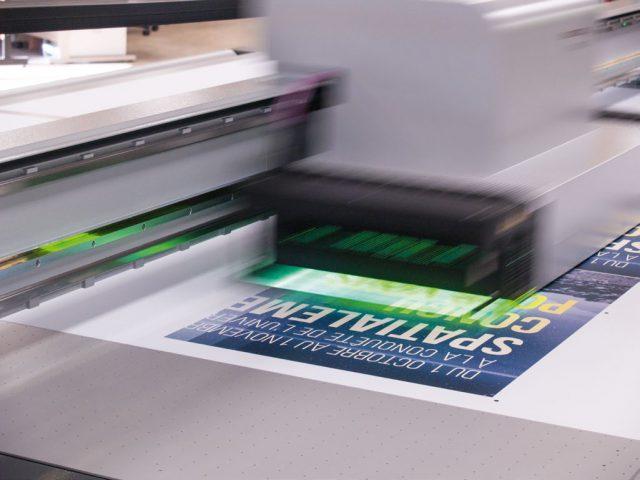Imprimerie Offset, numérique, grand format, UV